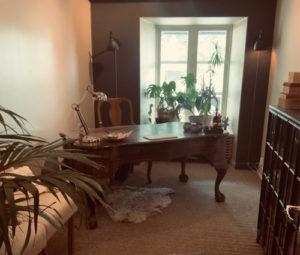 Kontoret Visby hyr ut kontorslokal med pentry och wc.